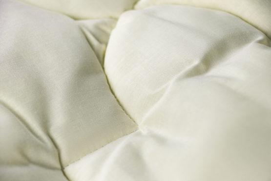 Купить зимние стеганые шерстяные одеяла MIRTEX (МИРТЕКС)